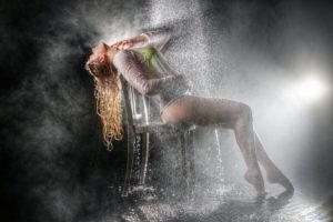 tinaleuthold-regenshooting-sexy-studio-rogerschaffnerphotography